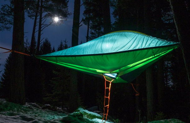 Sleep in the trees for 3-4 persons